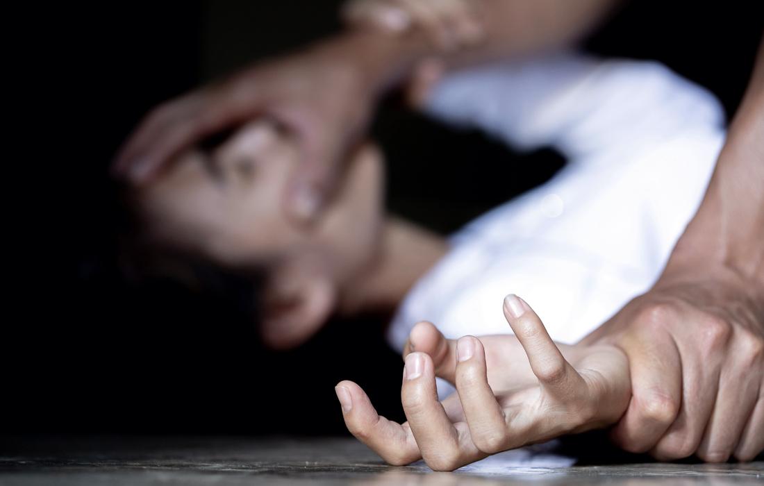 Βιασμός δύο ταχυτήτων: Τι αλλαγές έχει φέρει ο νέος Ποινικός Κώδικας; | OffLine Post