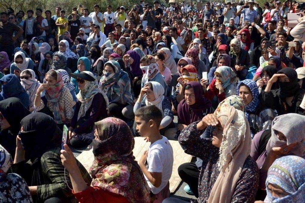 Οι νέες εξελίξεις στο προσφυγικό: οι προτάσεις της Ύπατης Αρμοστείας και οι αντιδράσεις της κυβέρνησης
