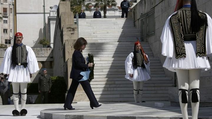 Μηνύματα ομοψυχίας προς τον ελληνικό λαό με αφορμή την Εθνική Επέτειο