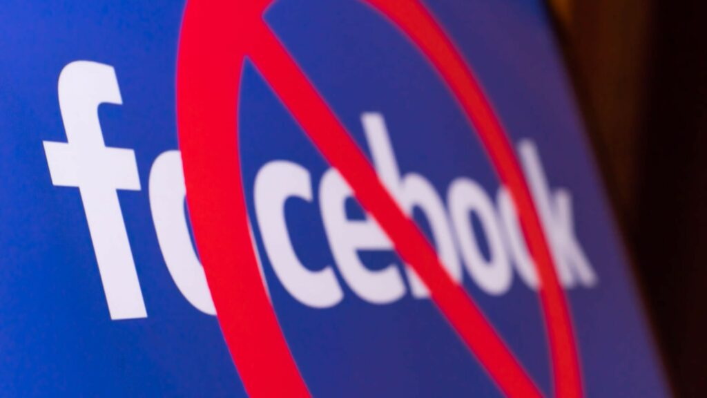 Μπαράζ ανάμεσα σε επιχειρηματικούς κολοσσούς και Facebook για τη ρατσιστική πολιτική