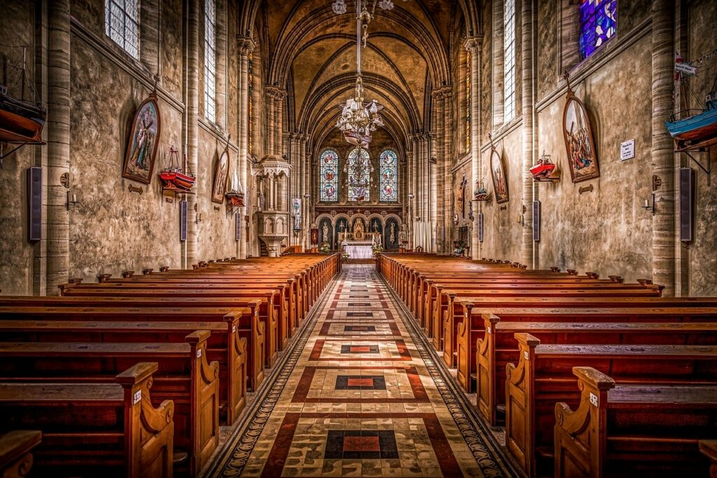 Το νομικό καθεστώς των μνημείων θρησκευτικού χαρακτήρα: Σχέση σύγκρουσης ή συνύπαρξης;