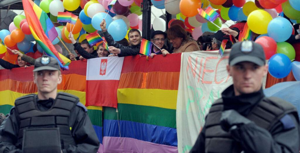 «Ζώνες χωρίς ΛΟΑΤΚΙ» στην Πολωνία: Αντιδράσεις και σχόλια