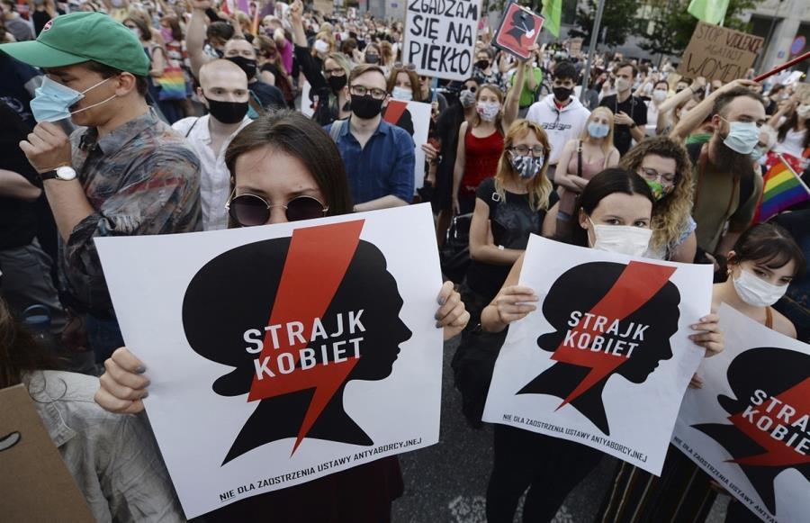 Η Πολωνία αποχωρεί από την Σύμβαση της Κωνσταντινούπολης